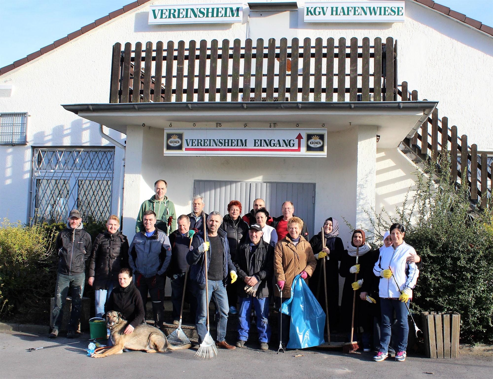 Die Helfer der Müllaktion 2017 des Kleingartenvereins Hafenwiese